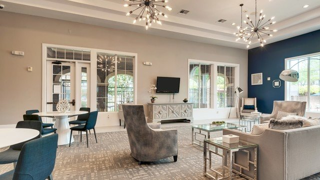 Westbridge Apartment Homes - Welcoming and Stylish Clubhouse